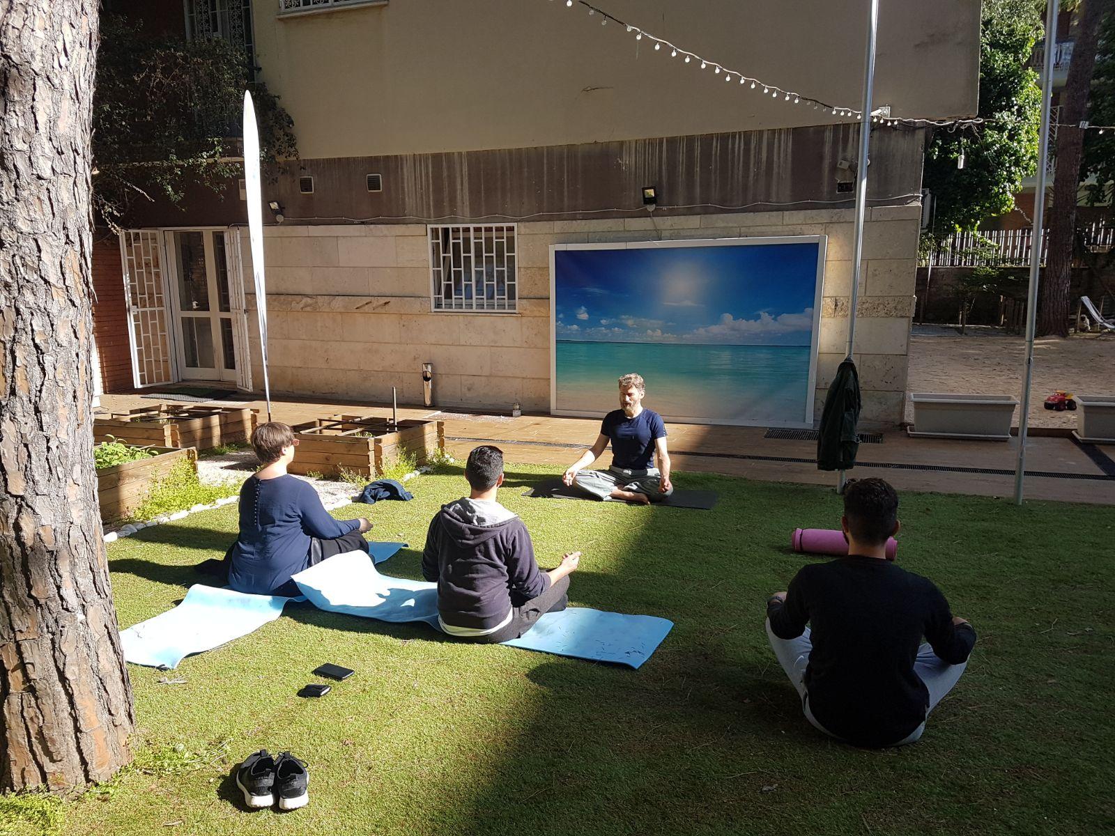 IMMAGINE Per iniziare nel modo giusto la giornata fai prima un po' di Yoga!